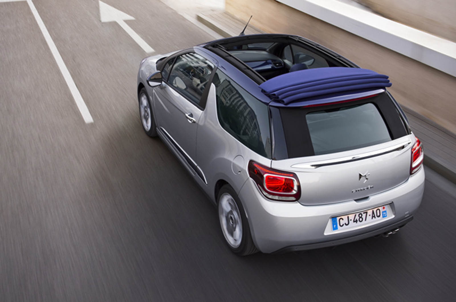 the ds3 cabrio is available in the uk with a choice of three petrol engines. Black Bedroom Furniture Sets. Home Design Ideas