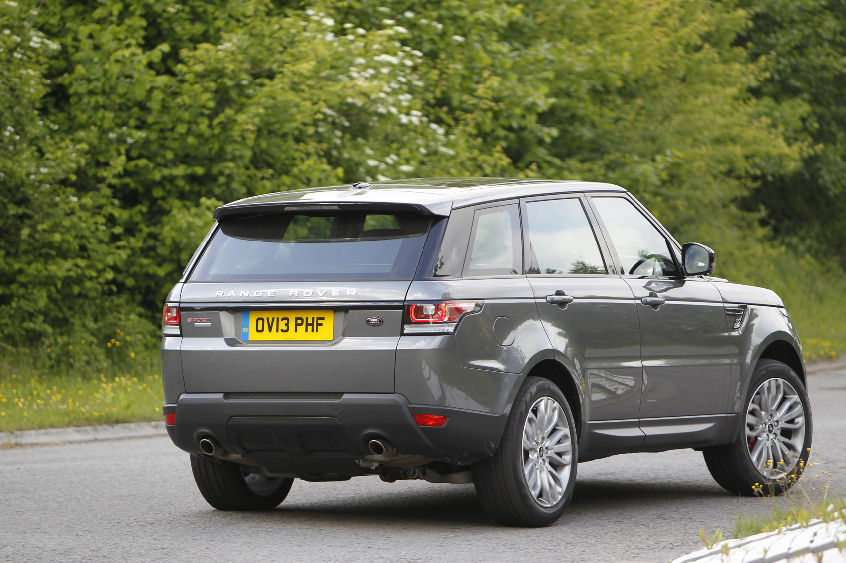 range rover sport supercharged 5 0 litre v8 first drive. Black Bedroom Furniture Sets. Home Design Ideas