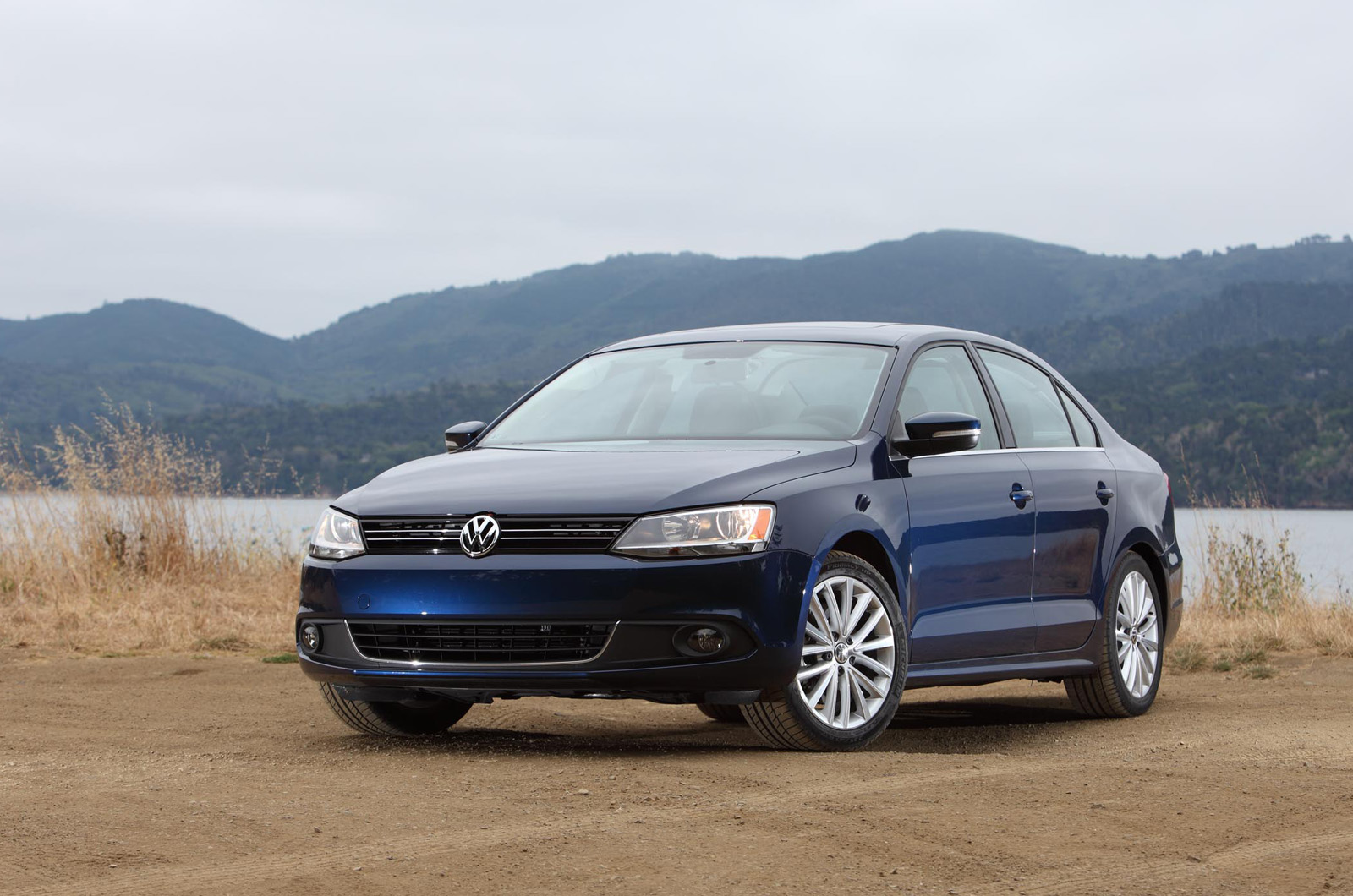 volkswagen jetta 2 0 tsi sport dsg autocar. Black Bedroom Furniture Sets. Home Design Ideas
