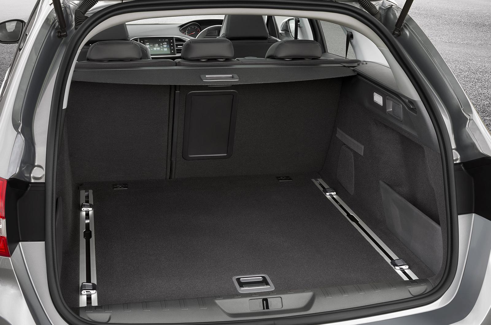 2014 peugeot 308 sw e thp 130 first drive. Black Bedroom Furniture Sets. Home Design Ideas