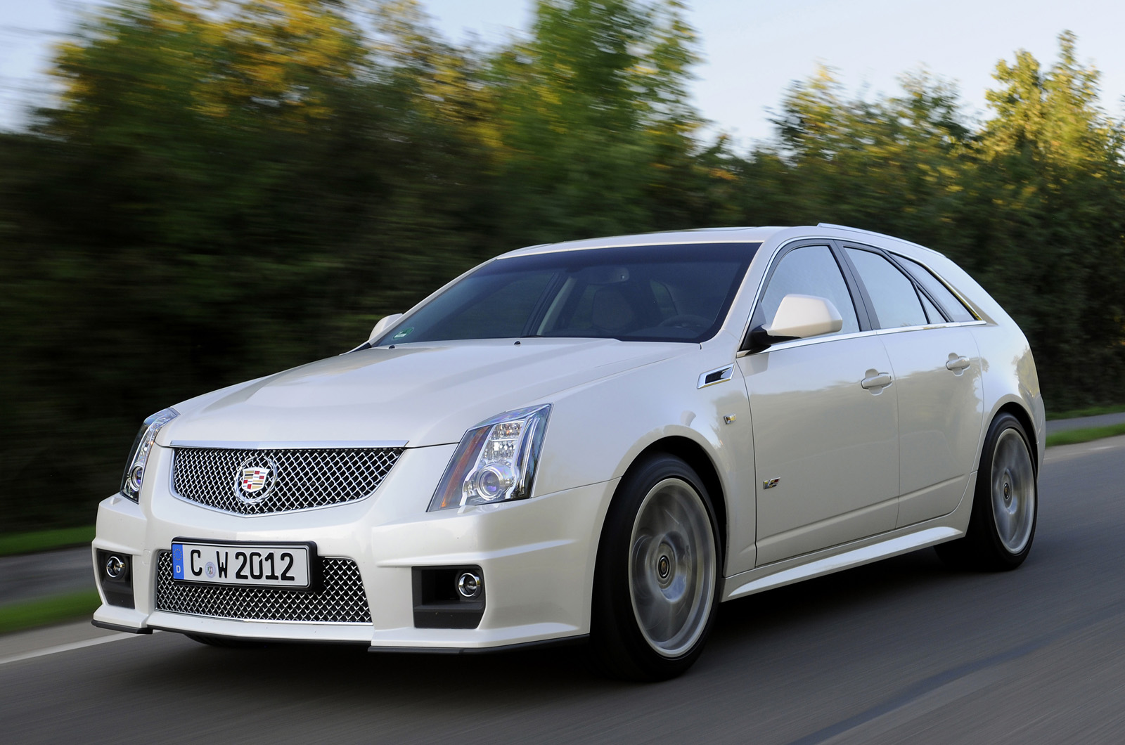 cadillac cts sport wagon first drive review autocar. Black Bedroom Furniture Sets. Home Design Ideas