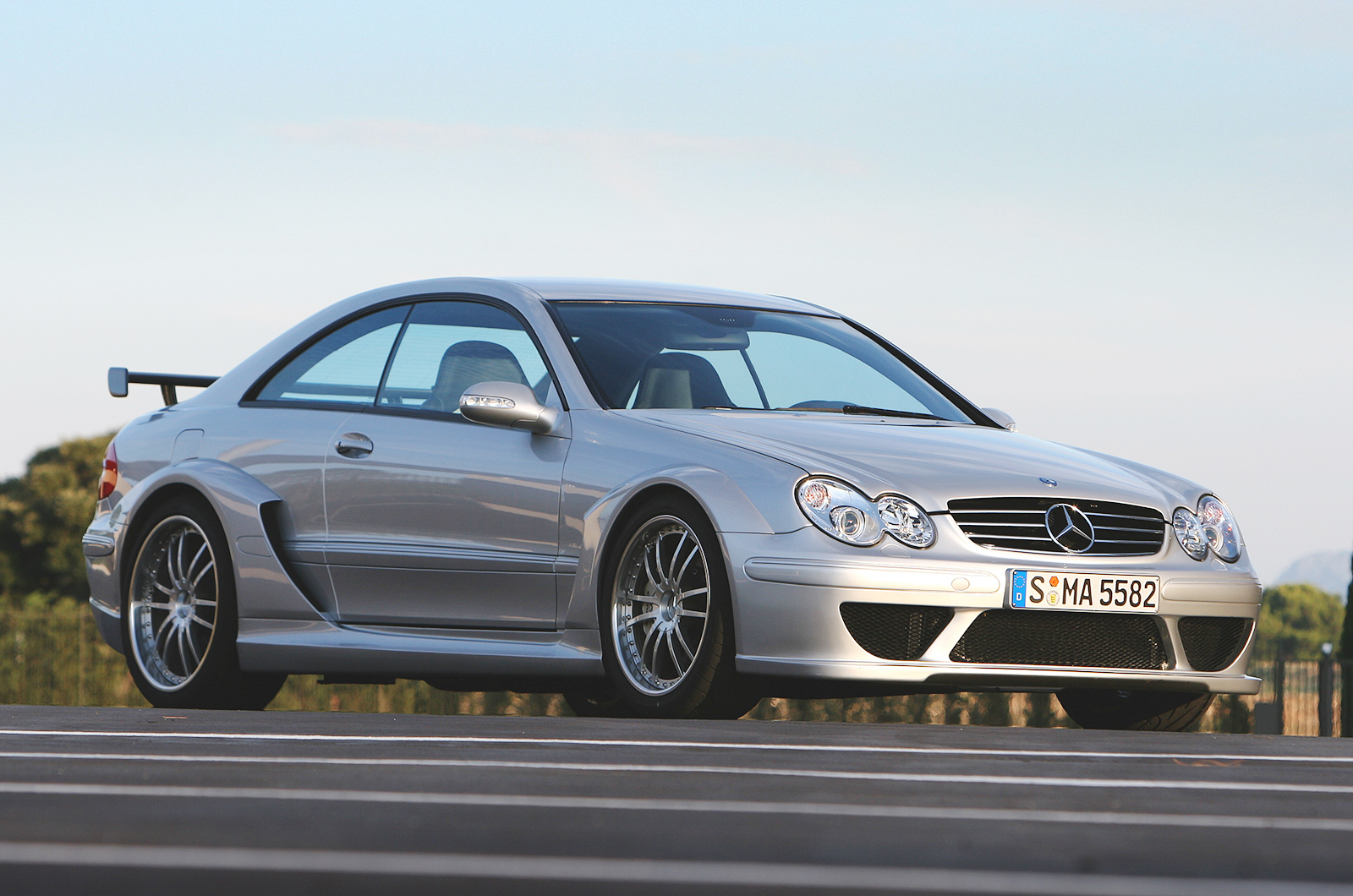 The history of mercedes benz amg picture special for Mercedes benz facts