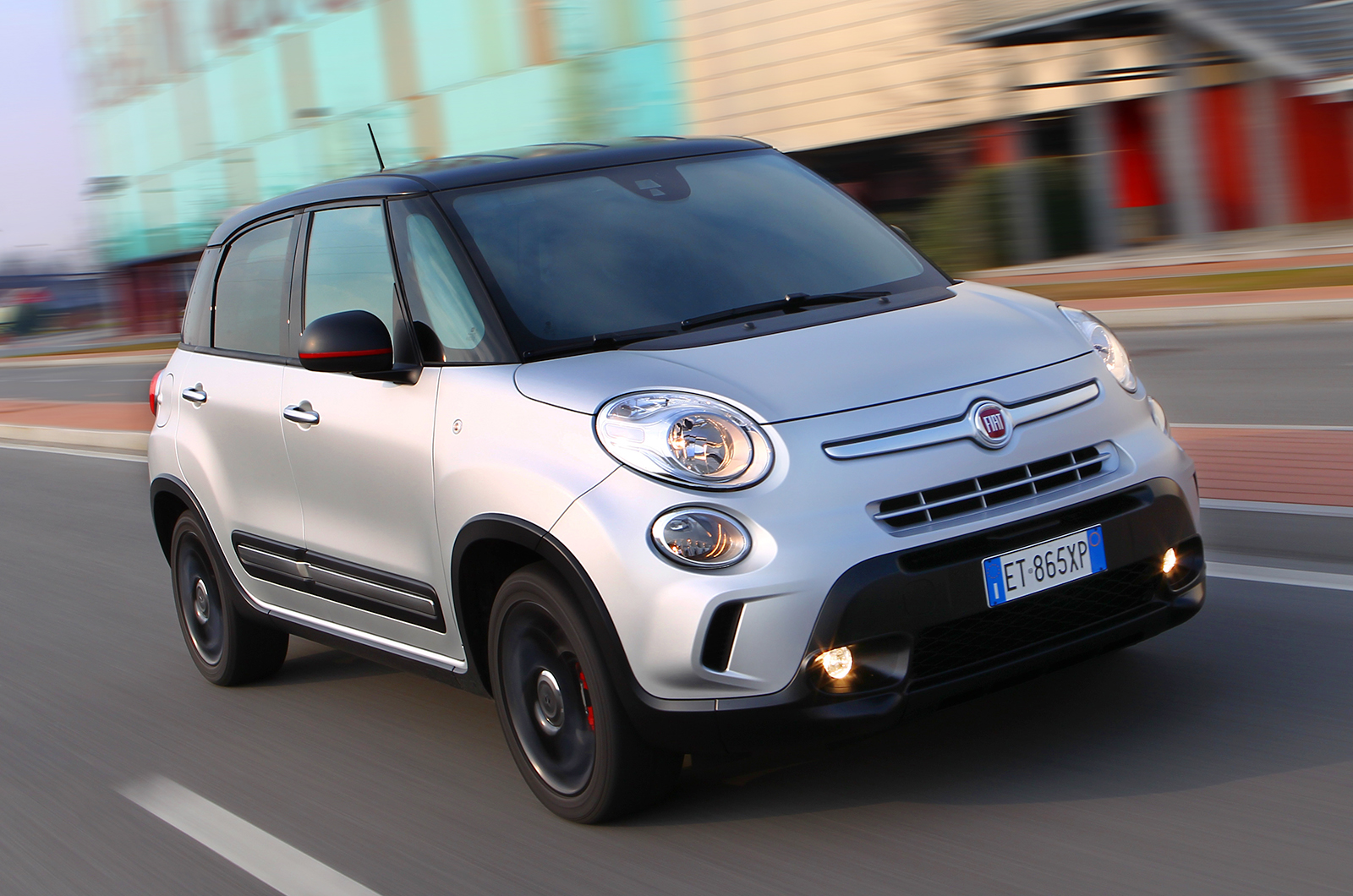 fiat 500l 1 6 multijet 120 beats edition first drive. Black Bedroom Furniture Sets. Home Design Ideas