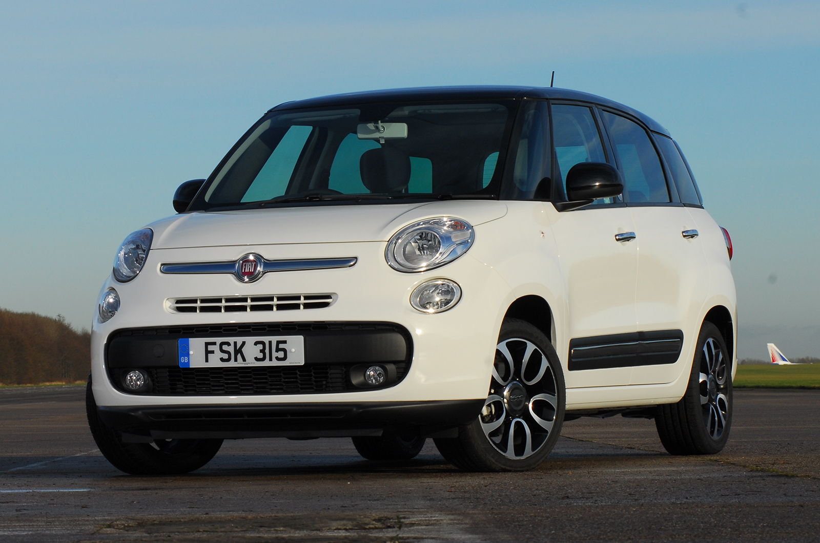 fiat 500l mpw 1 6 multijet pop star first drive. Black Bedroom Furniture Sets. Home Design Ideas