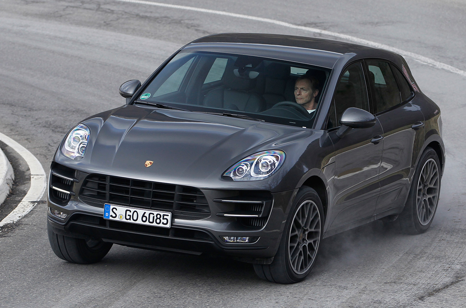 porsche macan turbo first drive. Black Bedroom Furniture Sets. Home Design Ideas