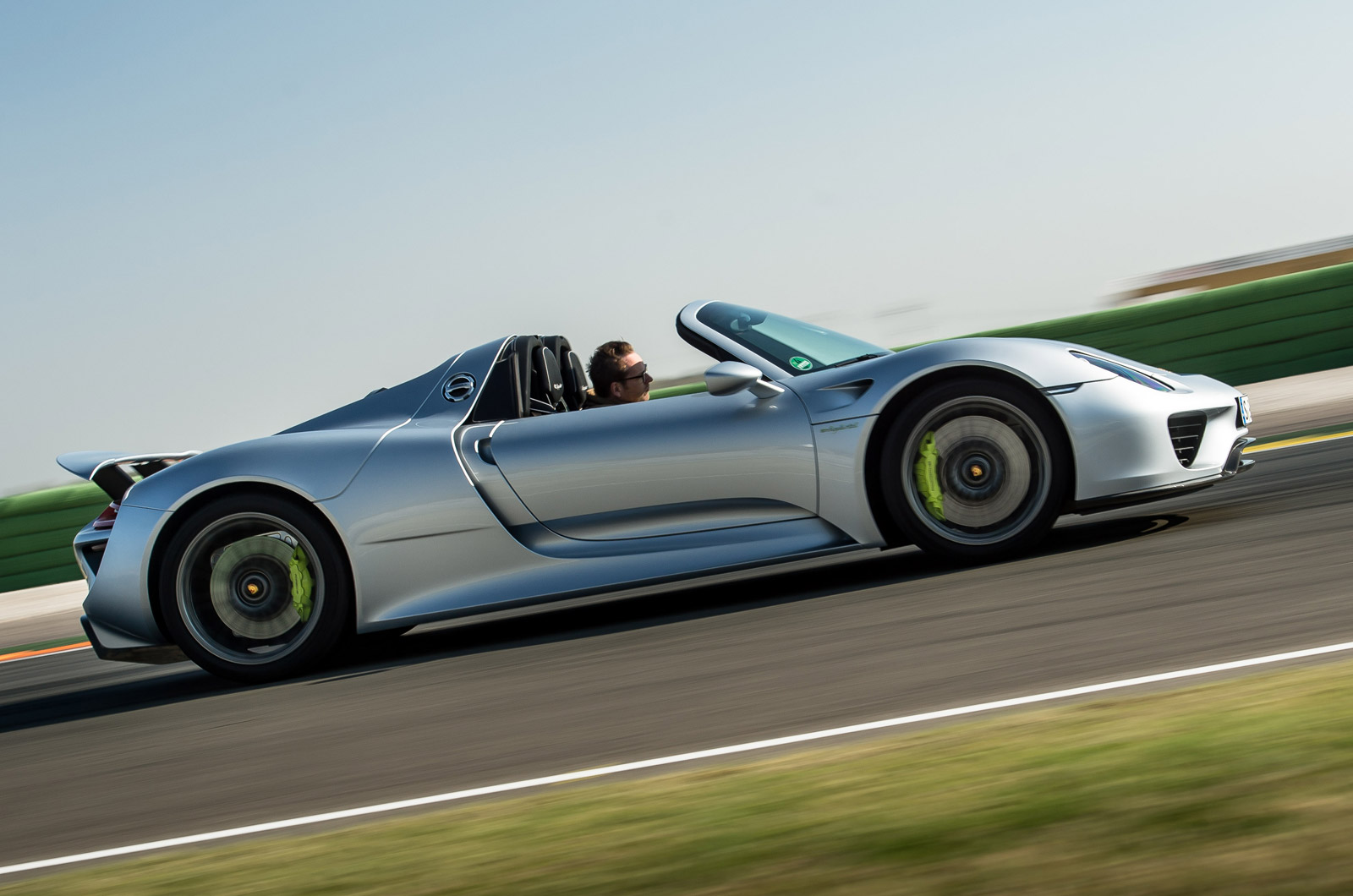 the 918 spyder will also face tough competition in the hypercar market. Black Bedroom Furniture Sets. Home Design Ideas