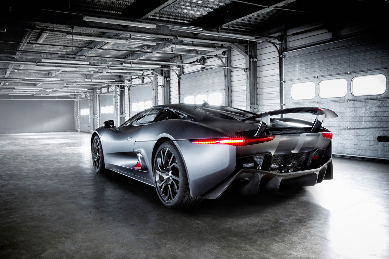 Jaguar_C X75_Images_10