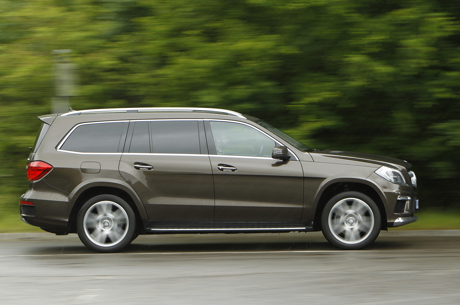 Mercedes benz gl class review autocar for Mercedes benz gl reviews