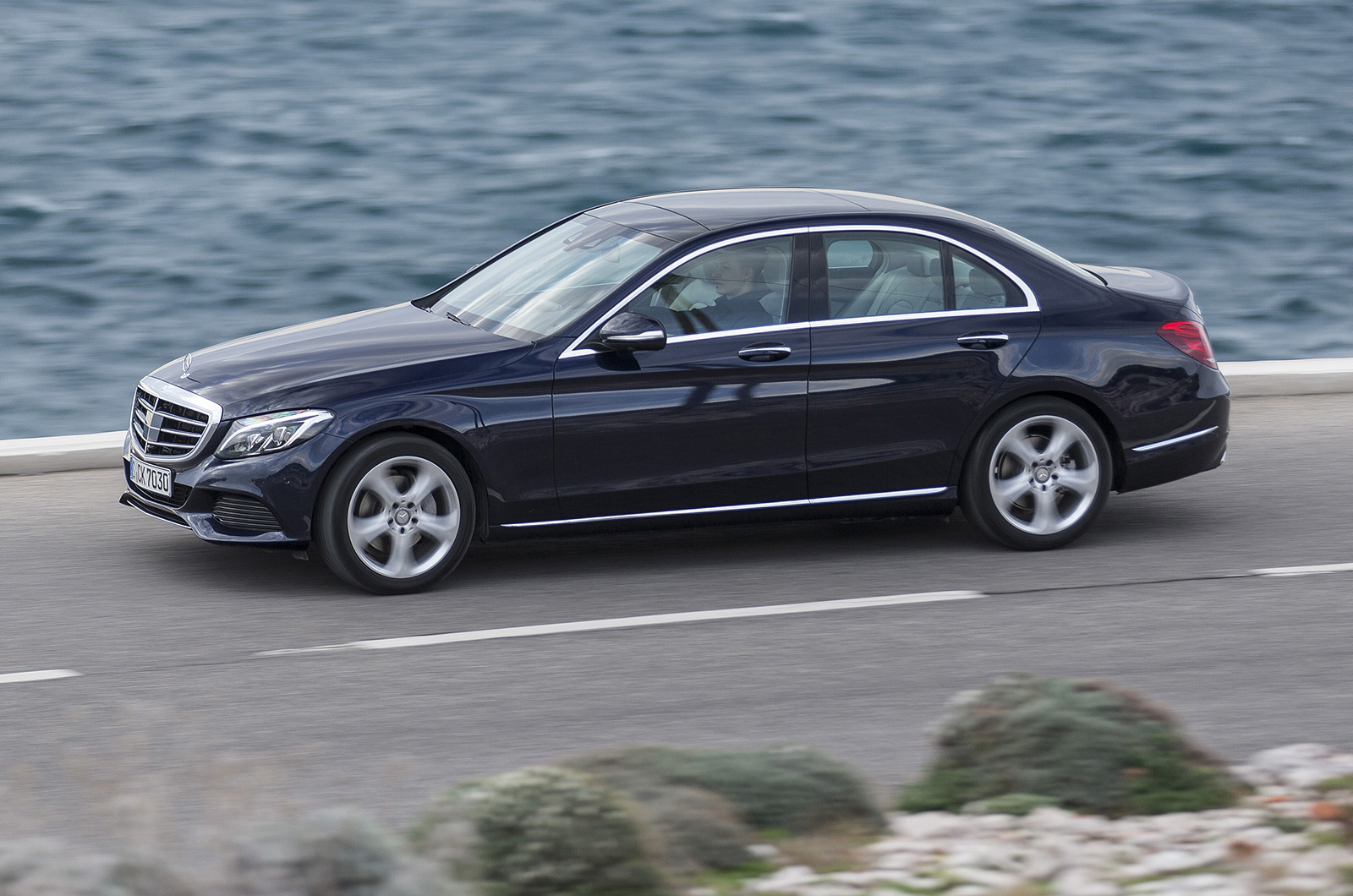 2014 mercedes benz c class c250 first drive. Black Bedroom Furniture Sets. Home Design Ideas