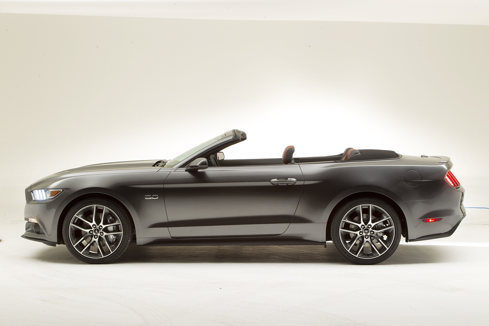 2014 - [Ford] Mustang VII - Page 6 Mustang-Stan_5
