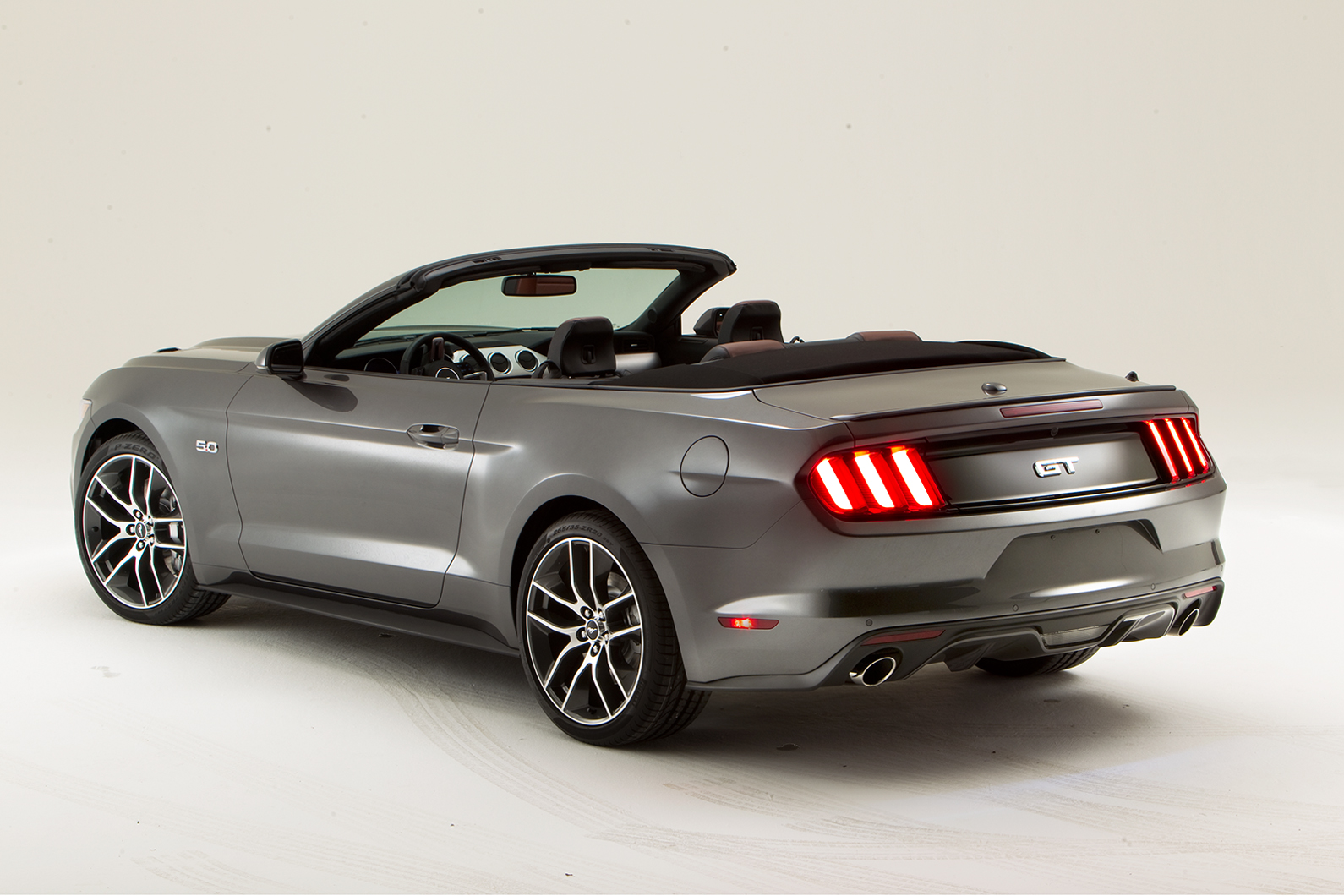 2014 - [Ford] Mustang VII - Page 6 Mustang-Stan_7