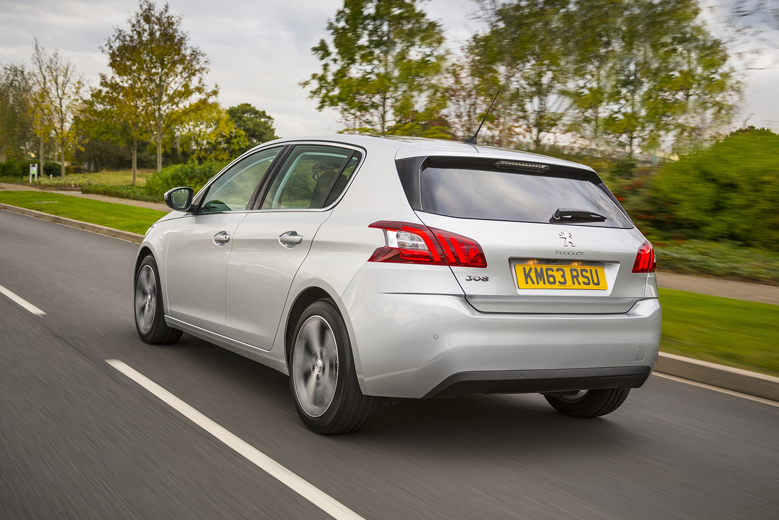 peugeot 308 1 6 hdi first drive. Black Bedroom Furniture Sets. Home Design Ideas