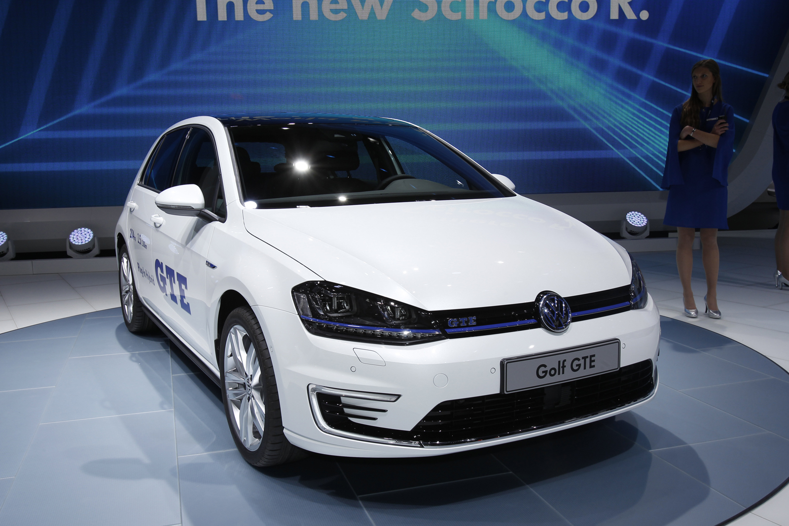 hot electric volkswagen golf gte revealed autocar. Black Bedroom Furniture Sets. Home Design Ideas