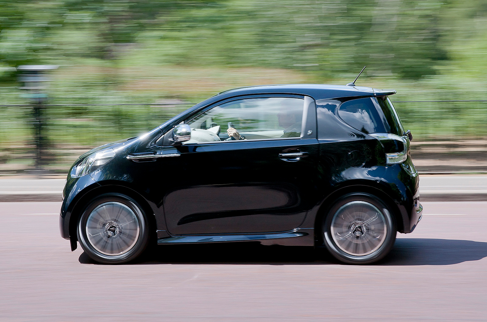 aston martin cygnet 2011 2013 review autocar. Black Bedroom Furniture Sets. Home Design Ideas