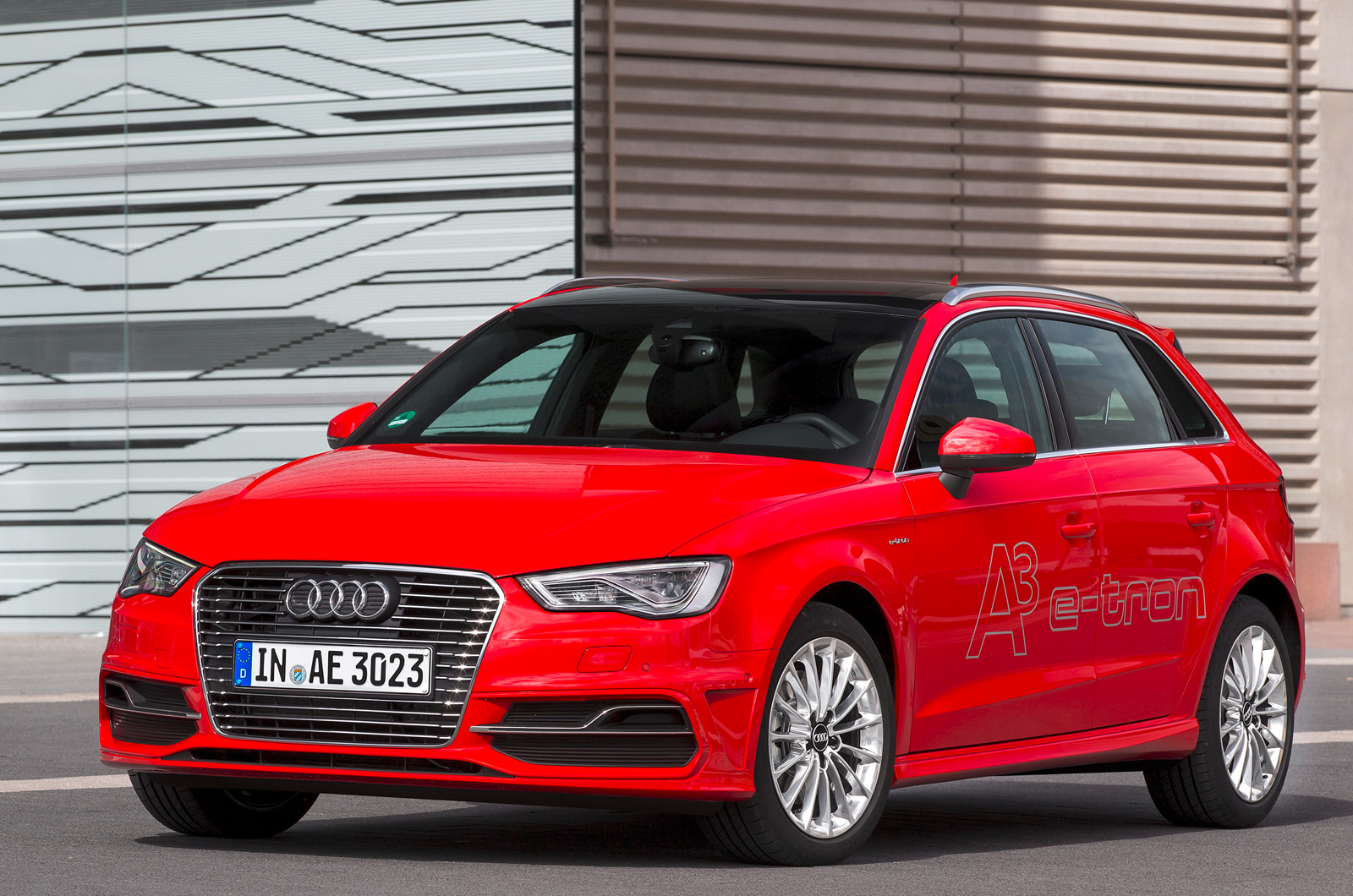 audi a3 e tron hybrid first drive. Black Bedroom Furniture Sets. Home Design Ideas