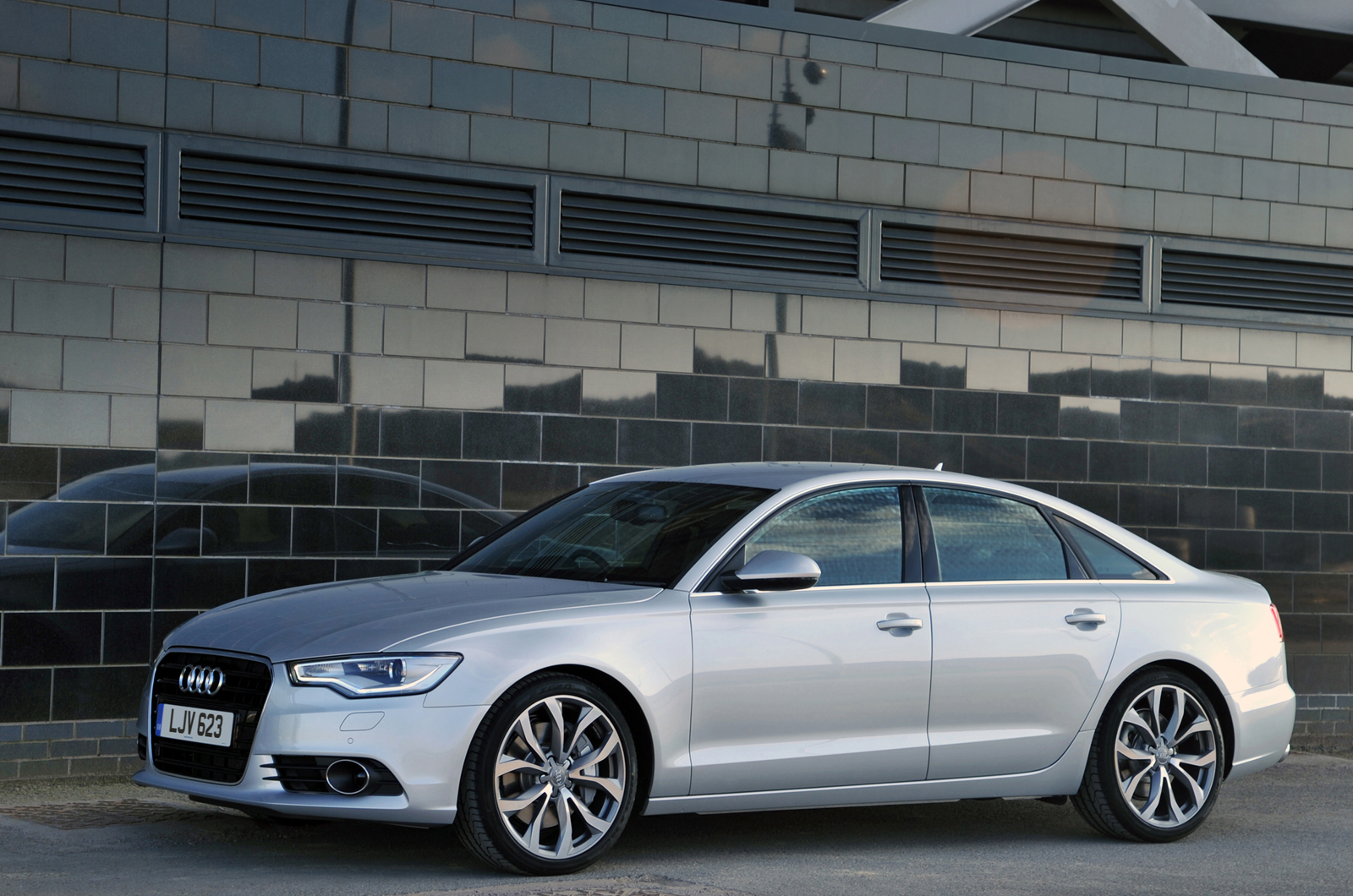 audi a6 saloon 2 0 tdi ultra s tronic s line first drive. Black Bedroom Furniture Sets. Home Design Ideas