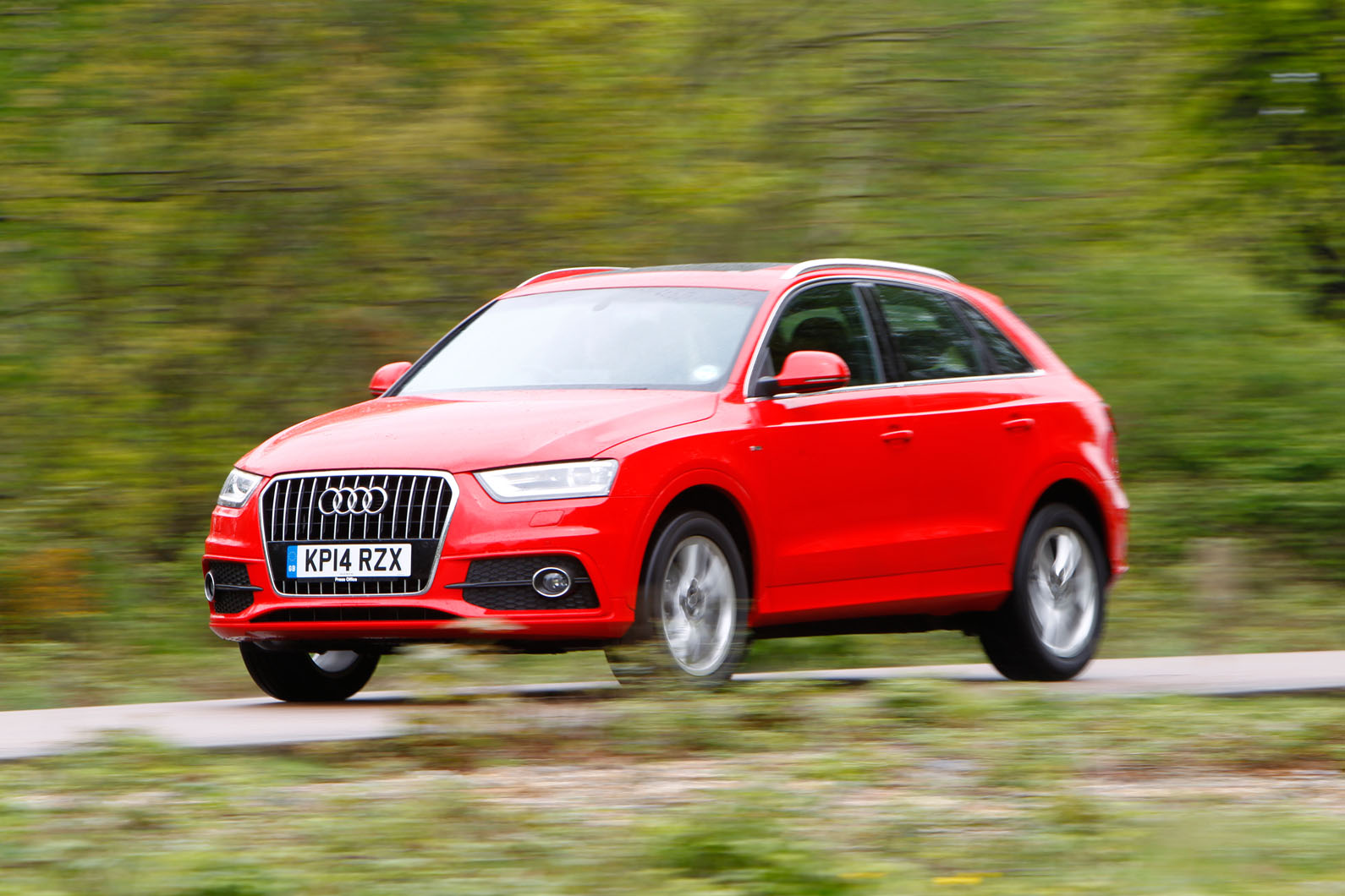 audi q3 1 4 tfsi s line first drive. Black Bedroom Furniture Sets. Home Design Ideas