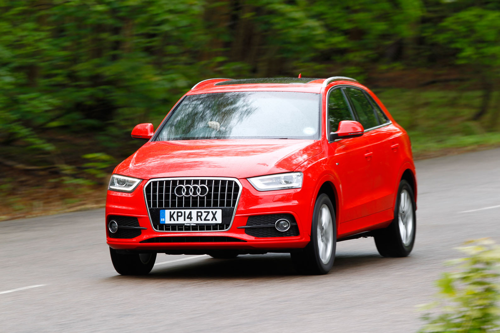 Comparison between audi q3 and q5