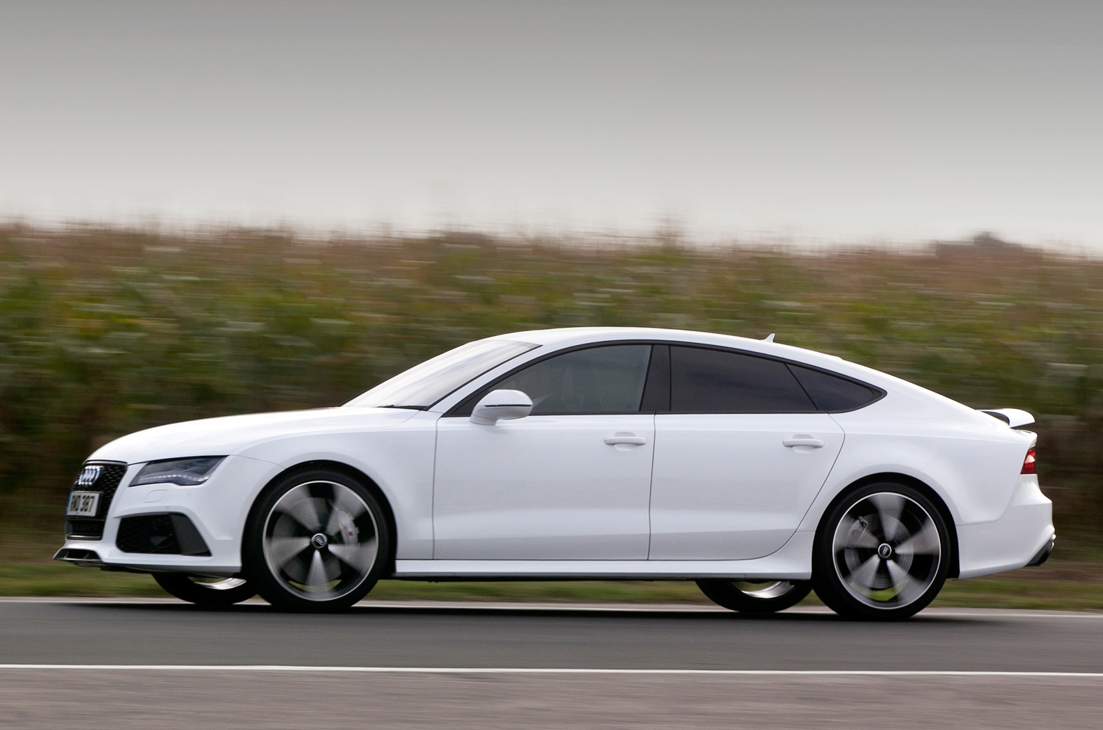 audi has fitted the rs7 sportback with an electromechanical power steering system. Black Bedroom Furniture Sets. Home Design Ideas