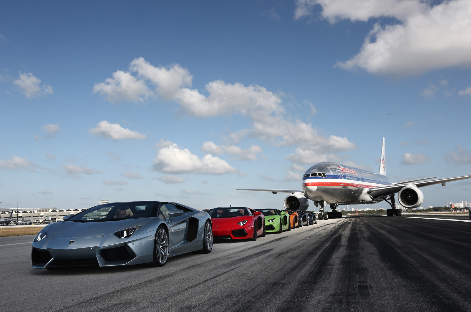 http://images.cdn.autocar.co.uk/sites/autocar.co.uk/files/aventador_roadsters_on_mia_s_runway_1.jpg