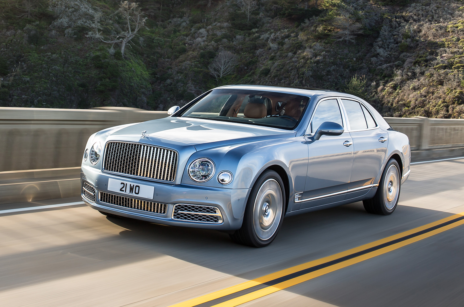 Bentley mulsanne review 2017 autocar vanachro Image collections