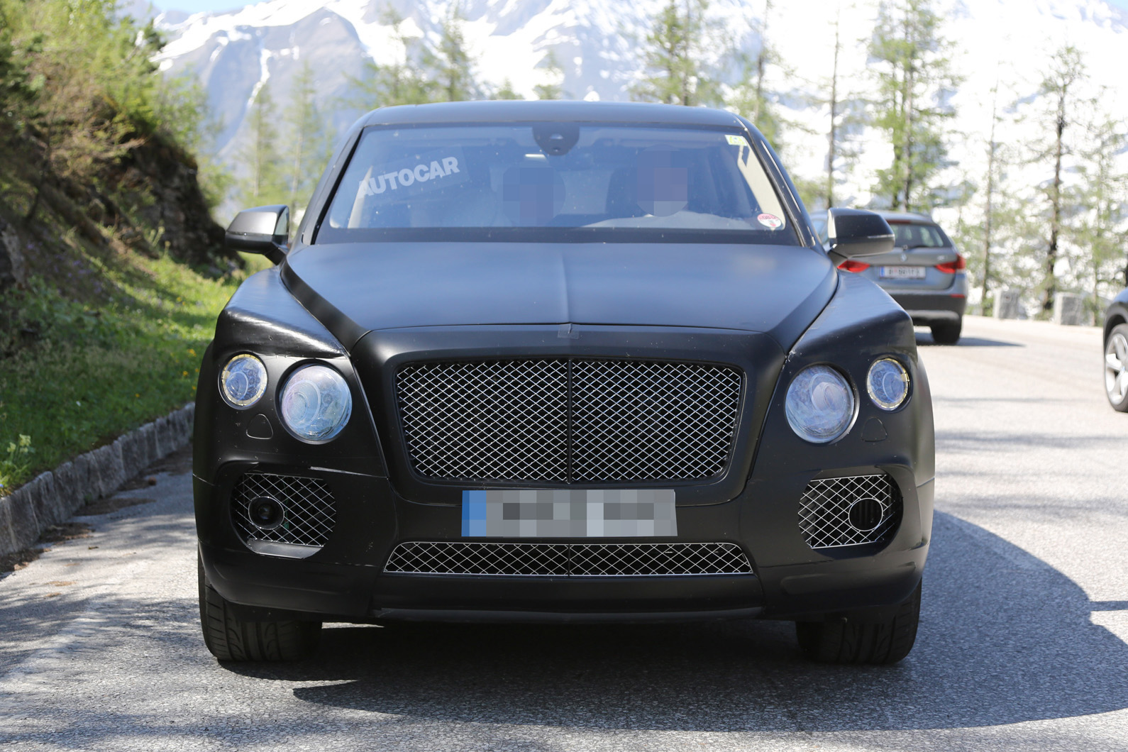 bentley suv to cost more than 130 000. Black Bedroom Furniture Sets. Home Design Ideas