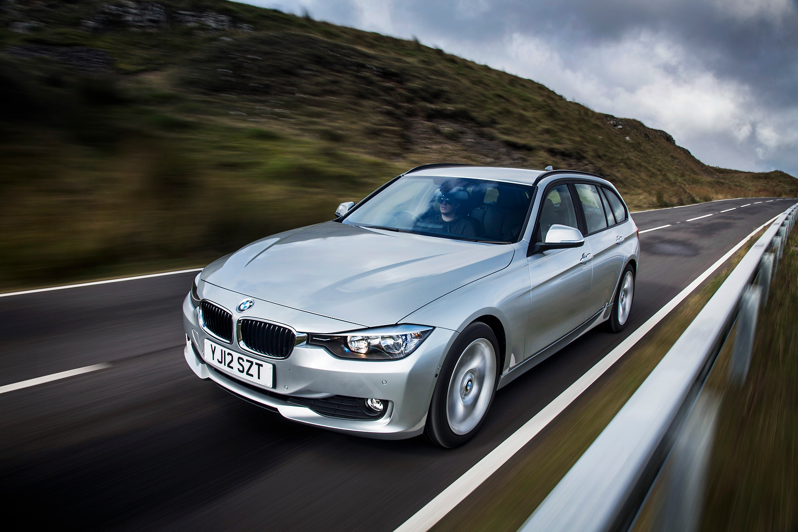 first drive review bmw 3 series touring autocar. Black Bedroom Furniture Sets. Home Design Ideas