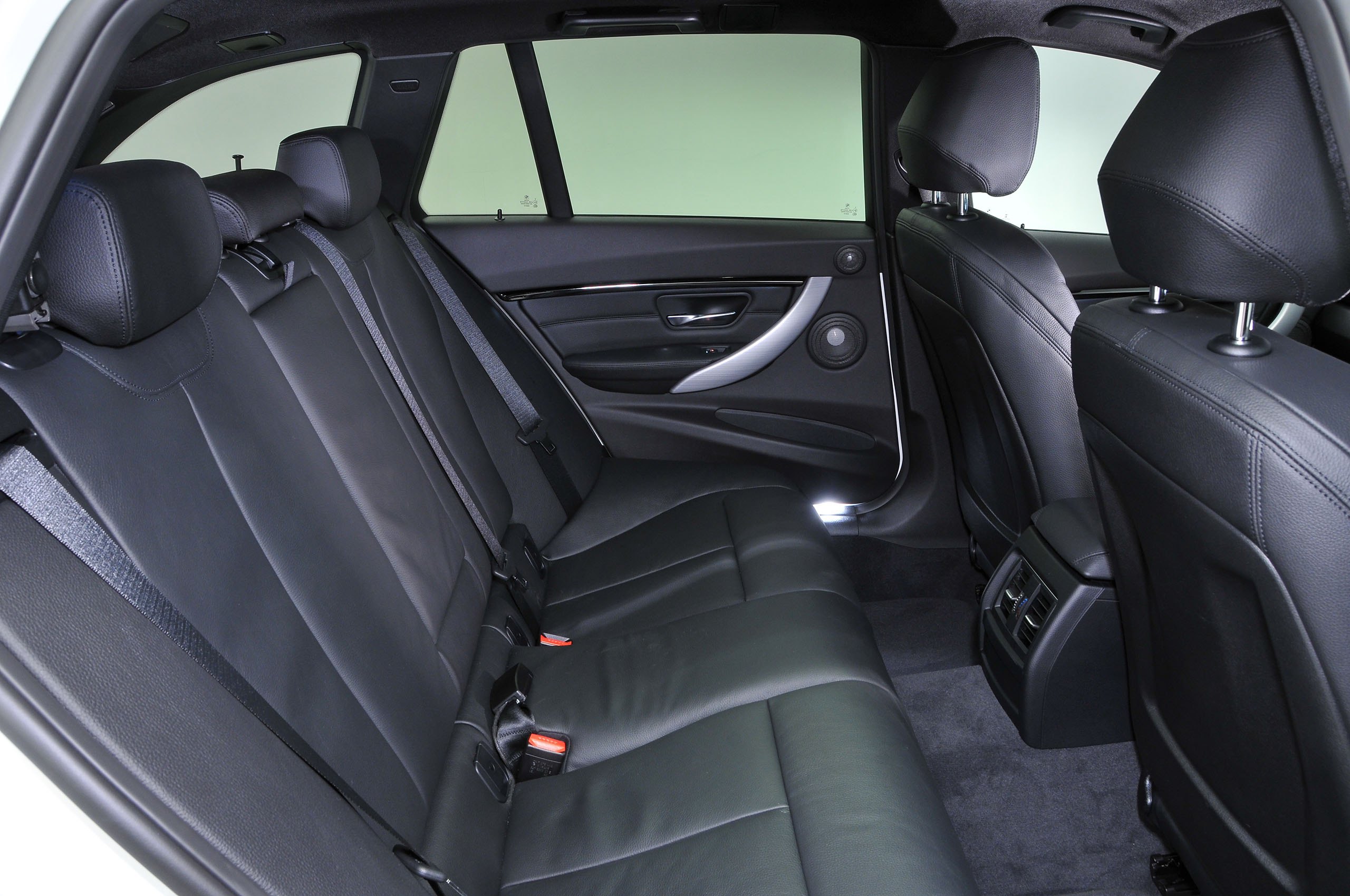 Bmw 3 Series Touring 2012 2019 Interior Autocar