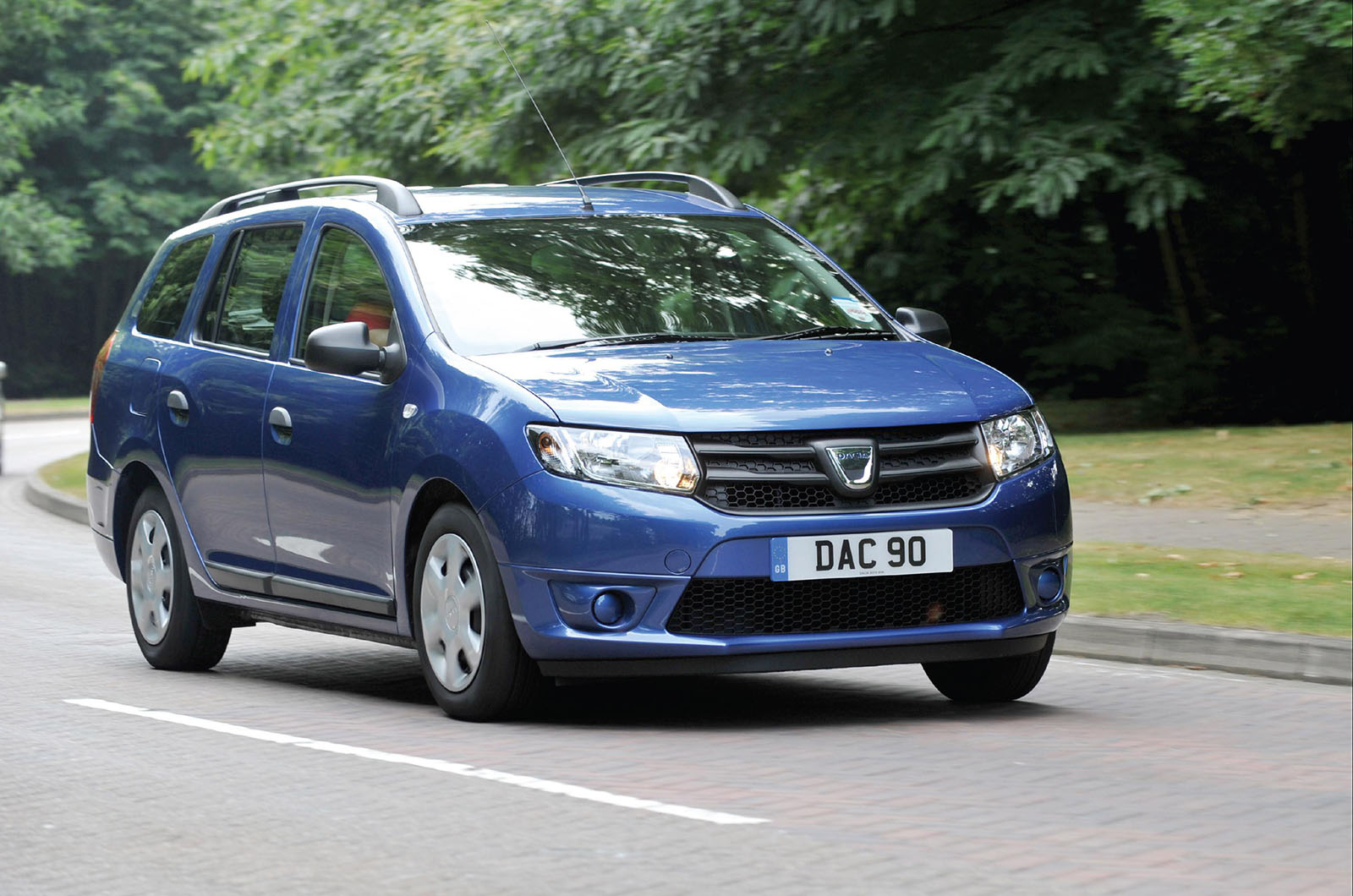 dacia logan mcv review autocar. Black Bedroom Furniture Sets. Home Design Ideas
