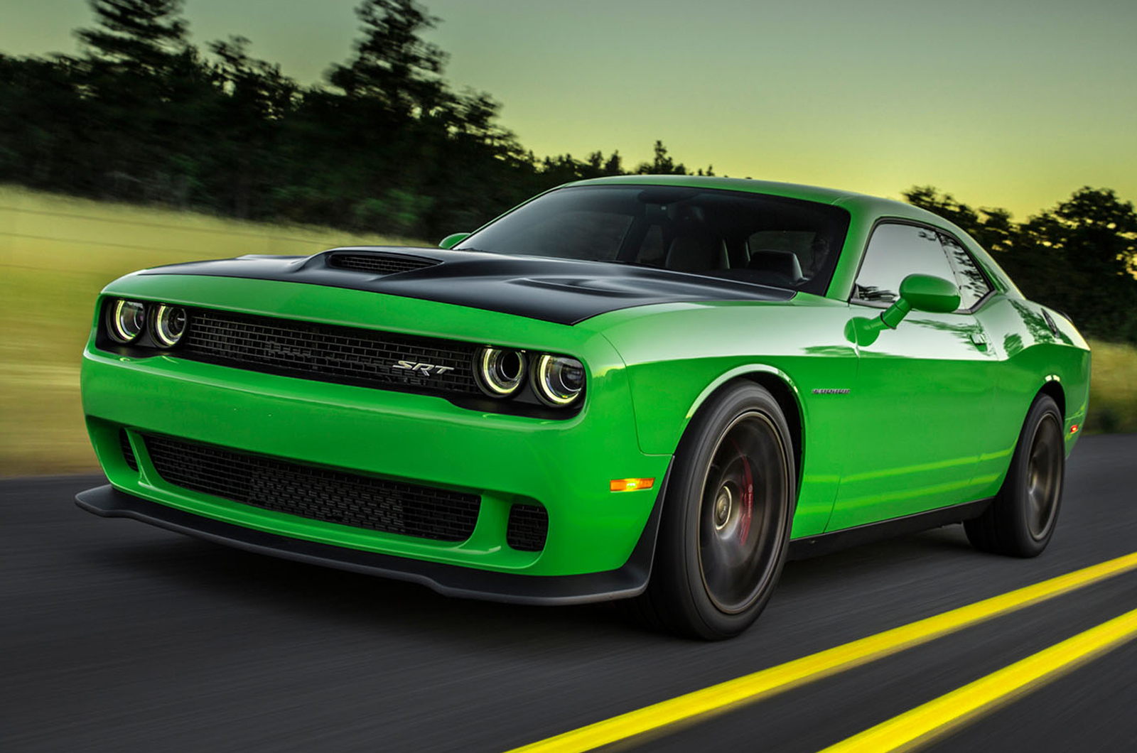 dodge challenger srt hellcat review autocar. Black Bedroom Furniture Sets. Home Design Ideas