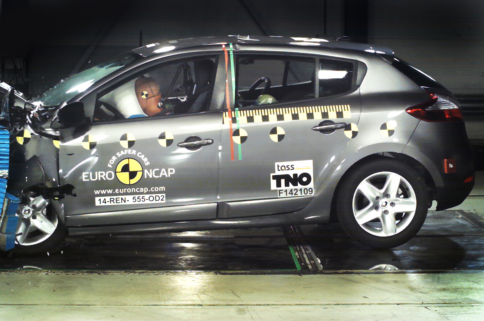 Renault Loses Top Safety Rating After Euro Ncap Tests Autocar