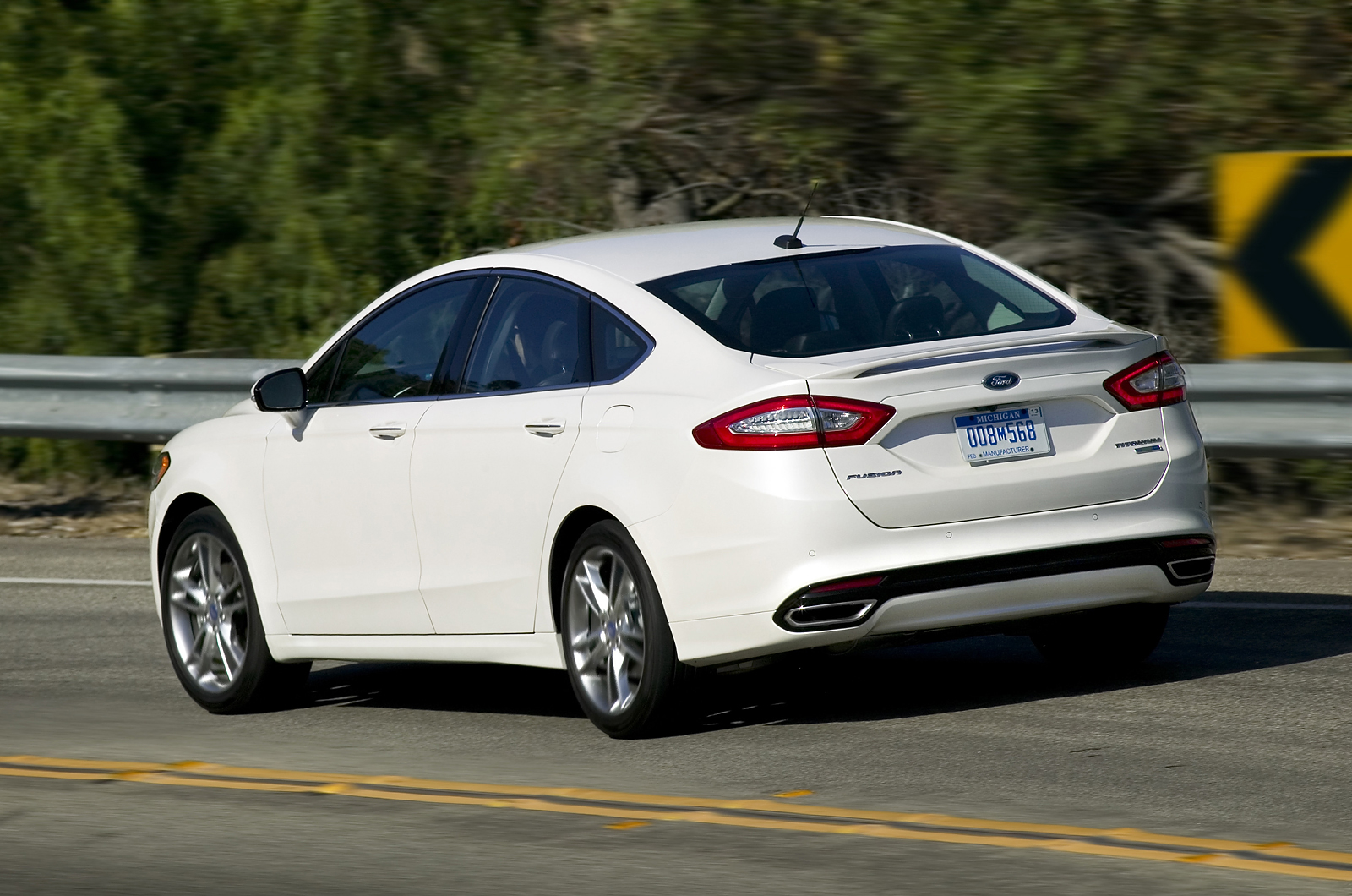 first drive review ford fusion 2 0 ecoboost. Black Bedroom Furniture Sets. Home Design Ideas