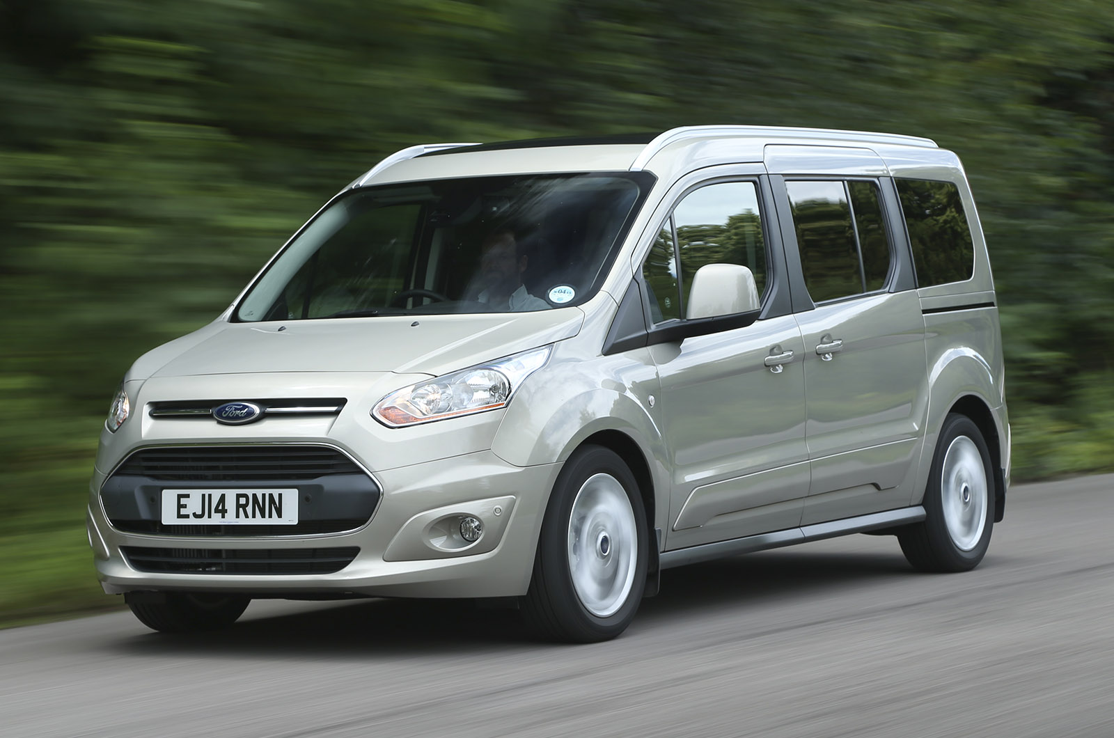 Ford Grand Tourneo Connect Review 2018