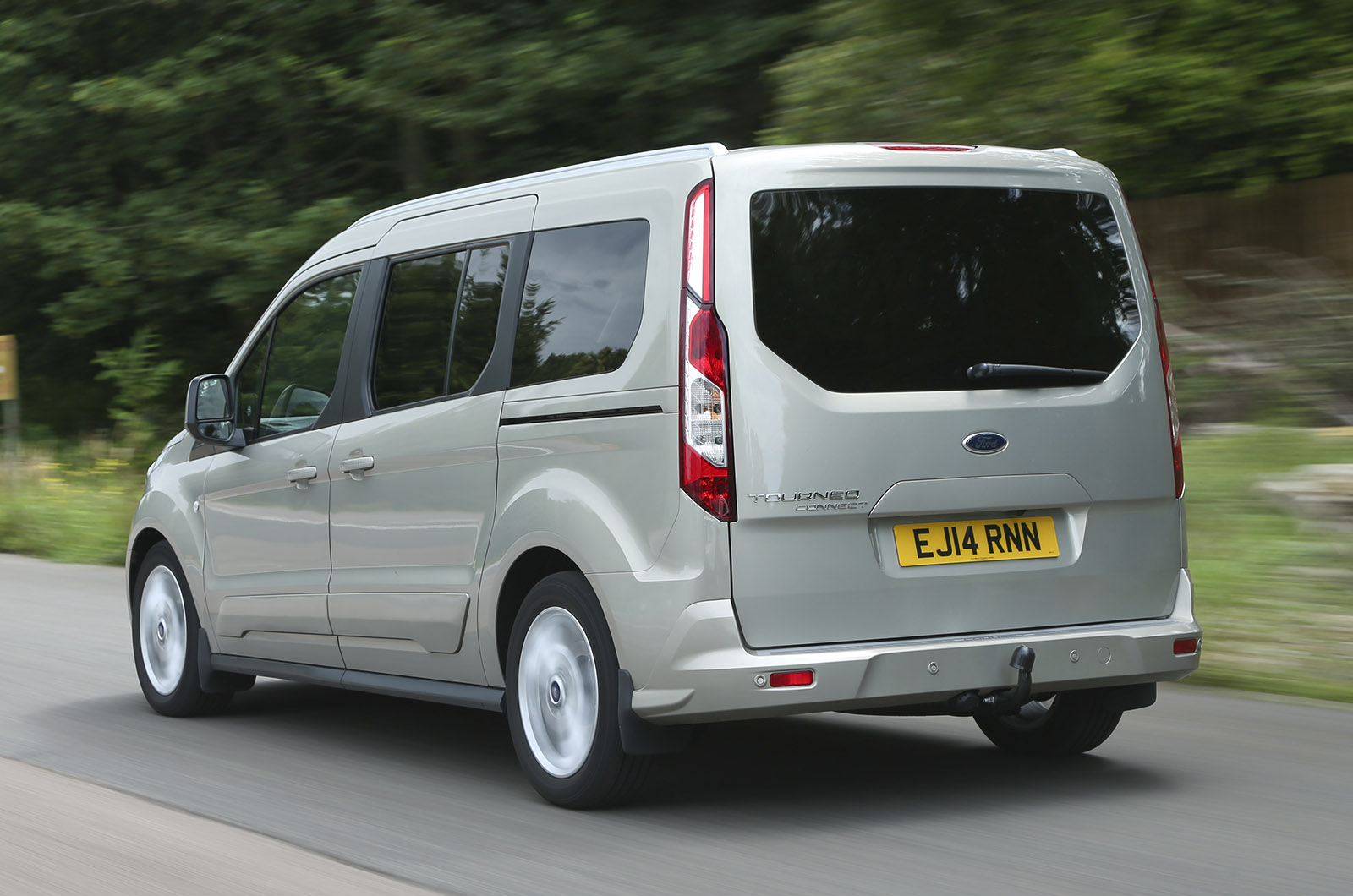 ford grand tourneo connect review autocar. Black Bedroom Furniture Sets. Home Design Ideas