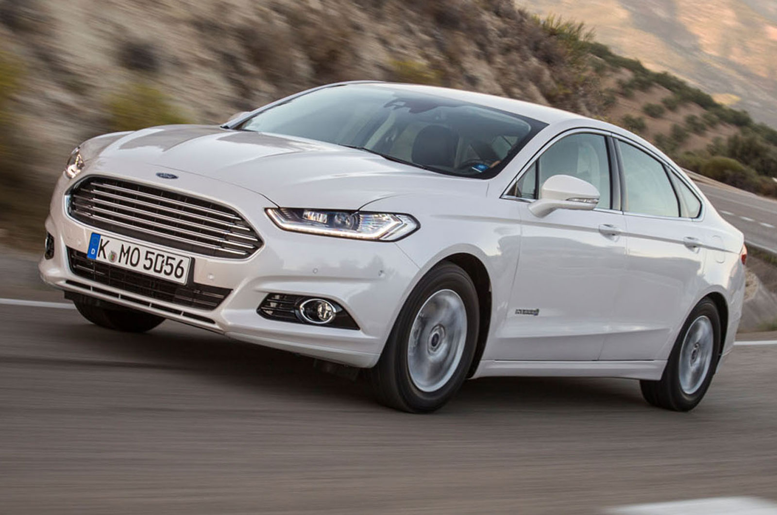2014 ford mondeo hybrid first drive review autocar. Black Bedroom Furniture Sets. Home Design Ideas