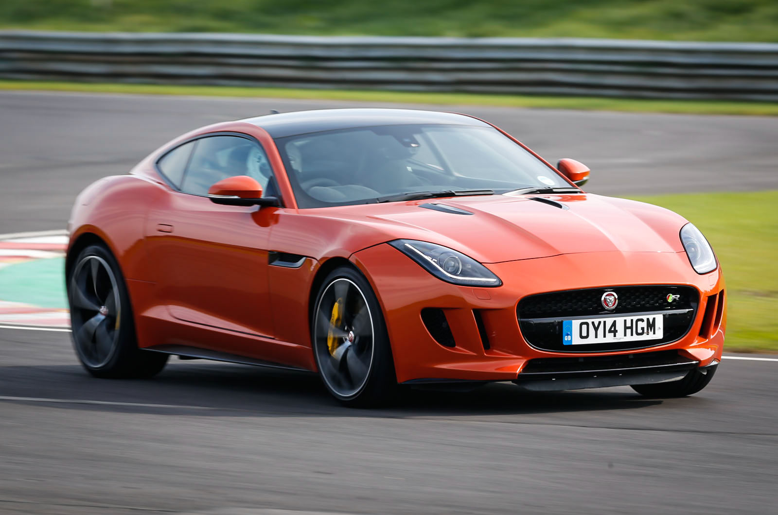 Britain's Best Driver's Car 2014 - the V8 muscle cars ...