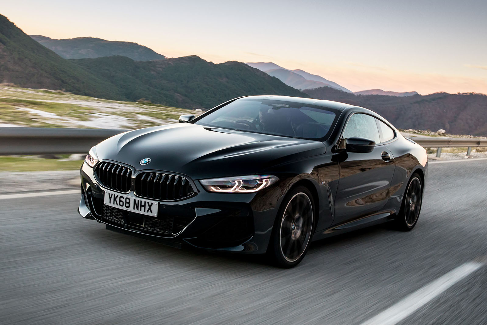 BMW 8 Series 840d 2018 review | Autocar