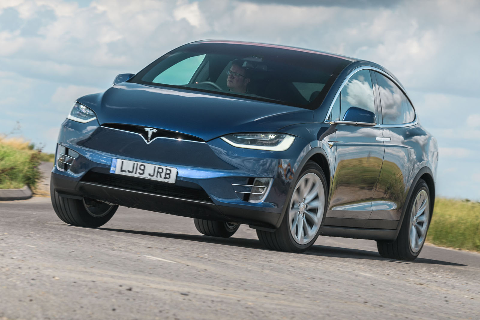 Tesla Model X Long Range 2019 UK review | Autocar