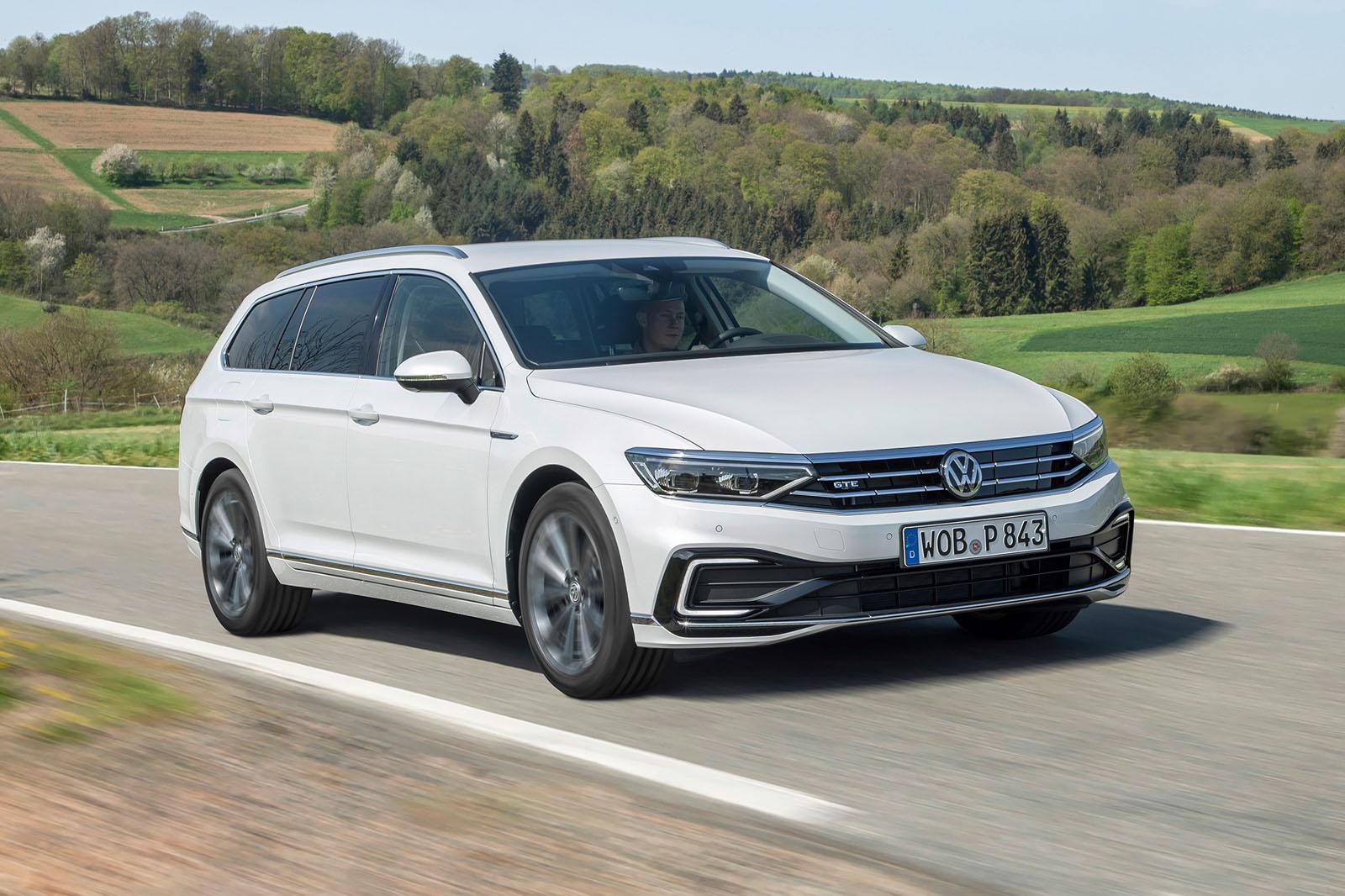 Volkswagen Passat Gte Estate 2019 Review Autocar