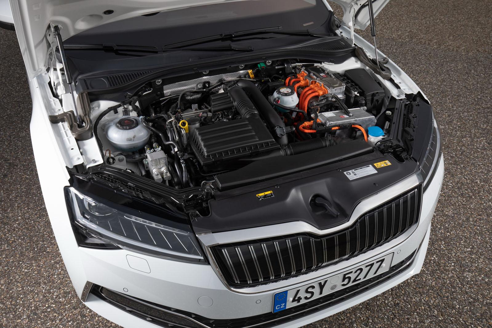 Skoda Superb 1 4 Tsi Iv 2019 Review Autocar