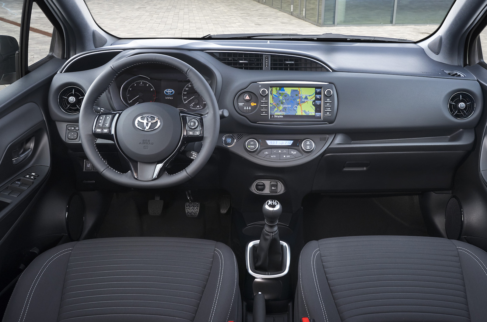 Kekurangan Toyota Yaris 1.5 Review