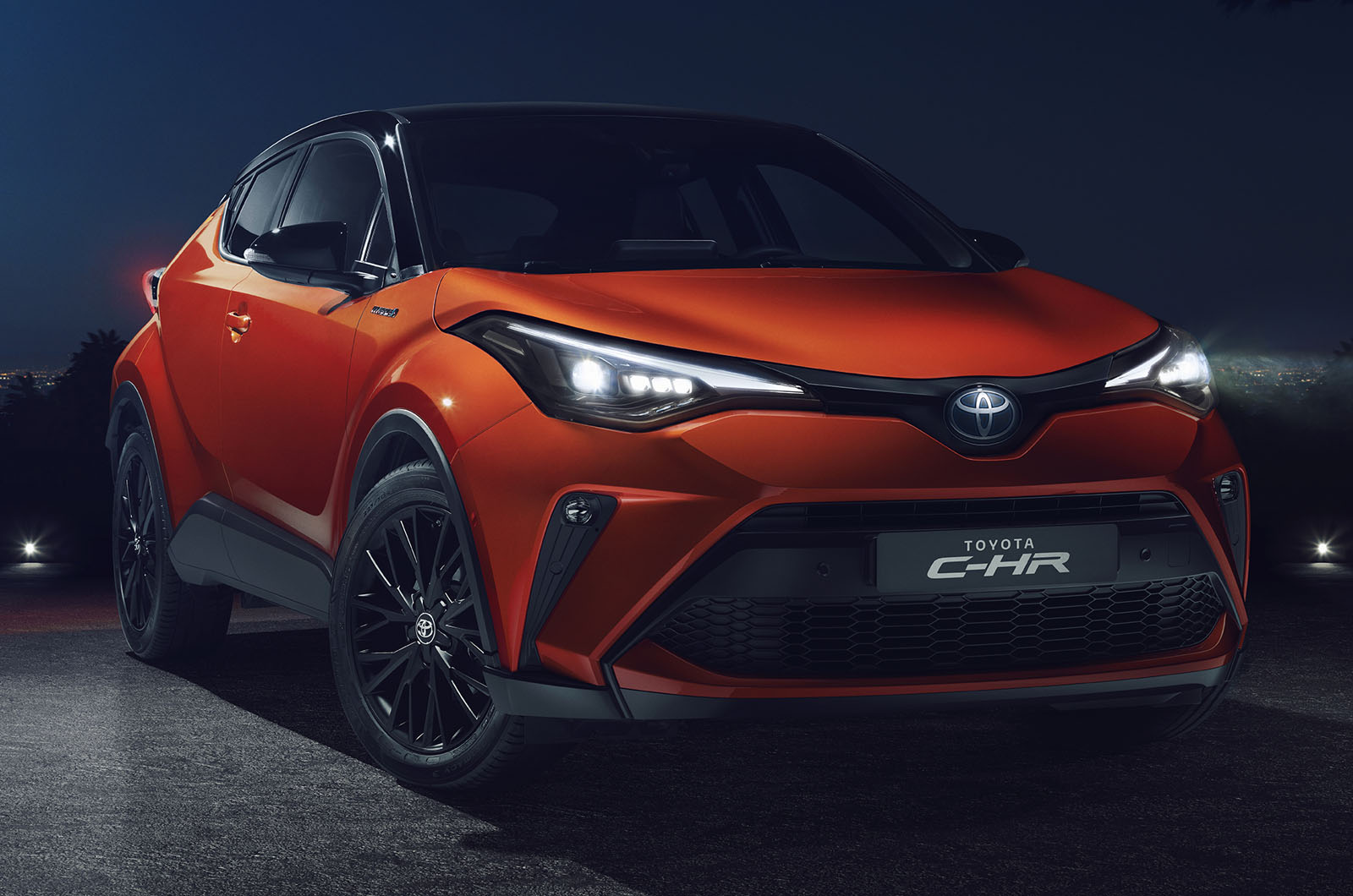Updated Toyota C Hr Brings New Hybrid Engine Added Kit