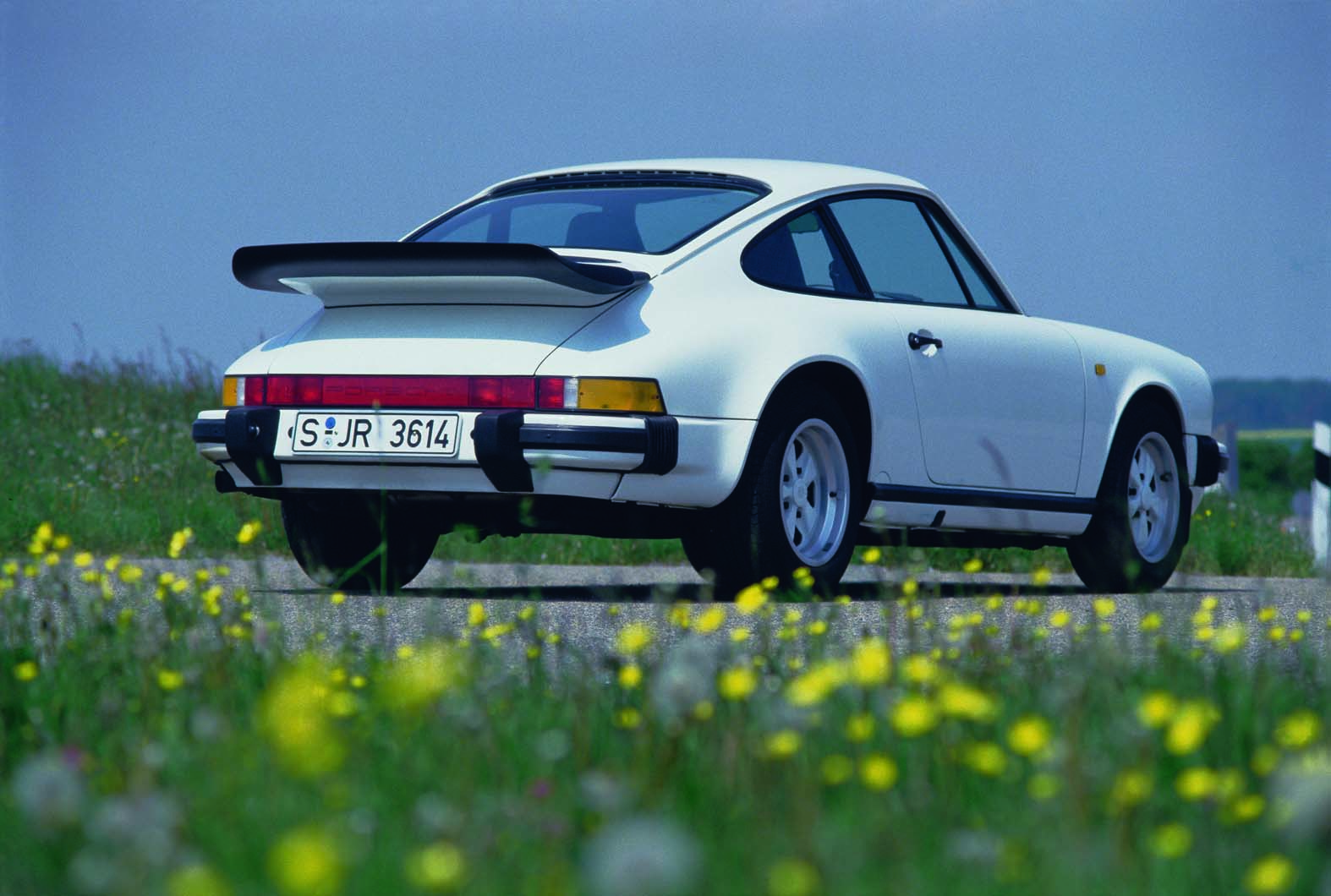 2019 Porsche 911 New Video Shows 992 Carrera 4s At The Nurburgring 996 Engine Cylinder Diagram 1994 993 Even Though Production Still Continues 20 Years Later Is Hailed By Purists As Last True