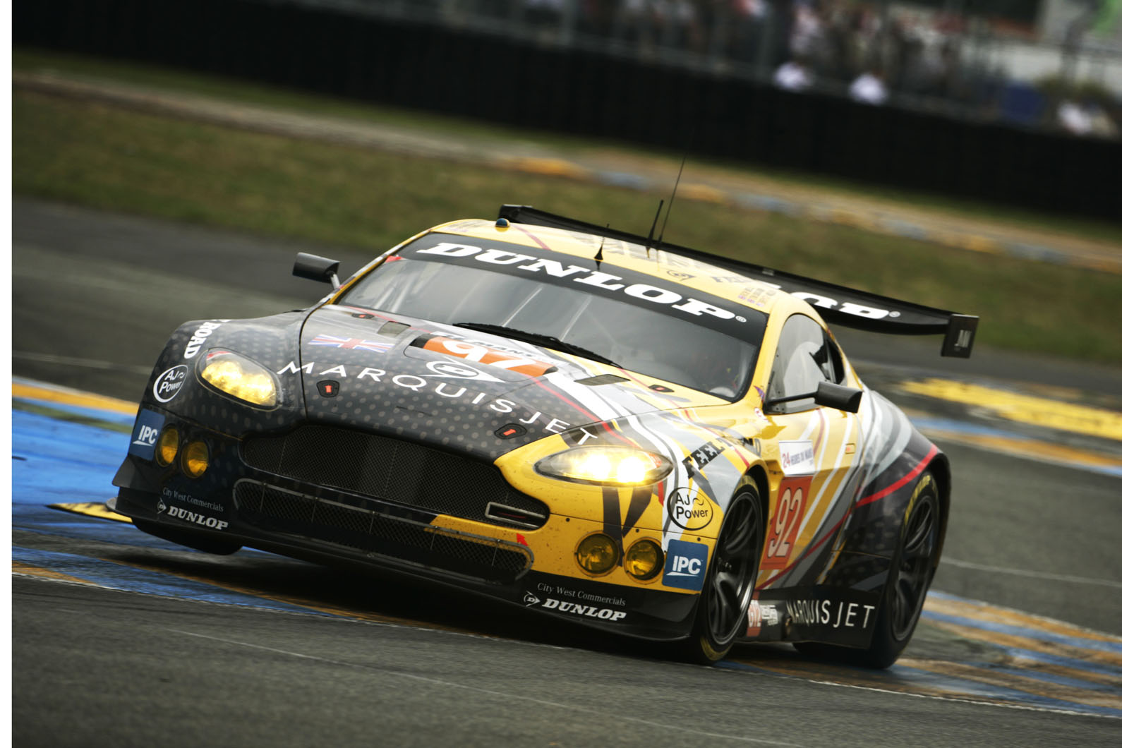 Aston Martin Vulcans To Race Against Gt1 Dbr9s In Le Mans Support Event Autocar