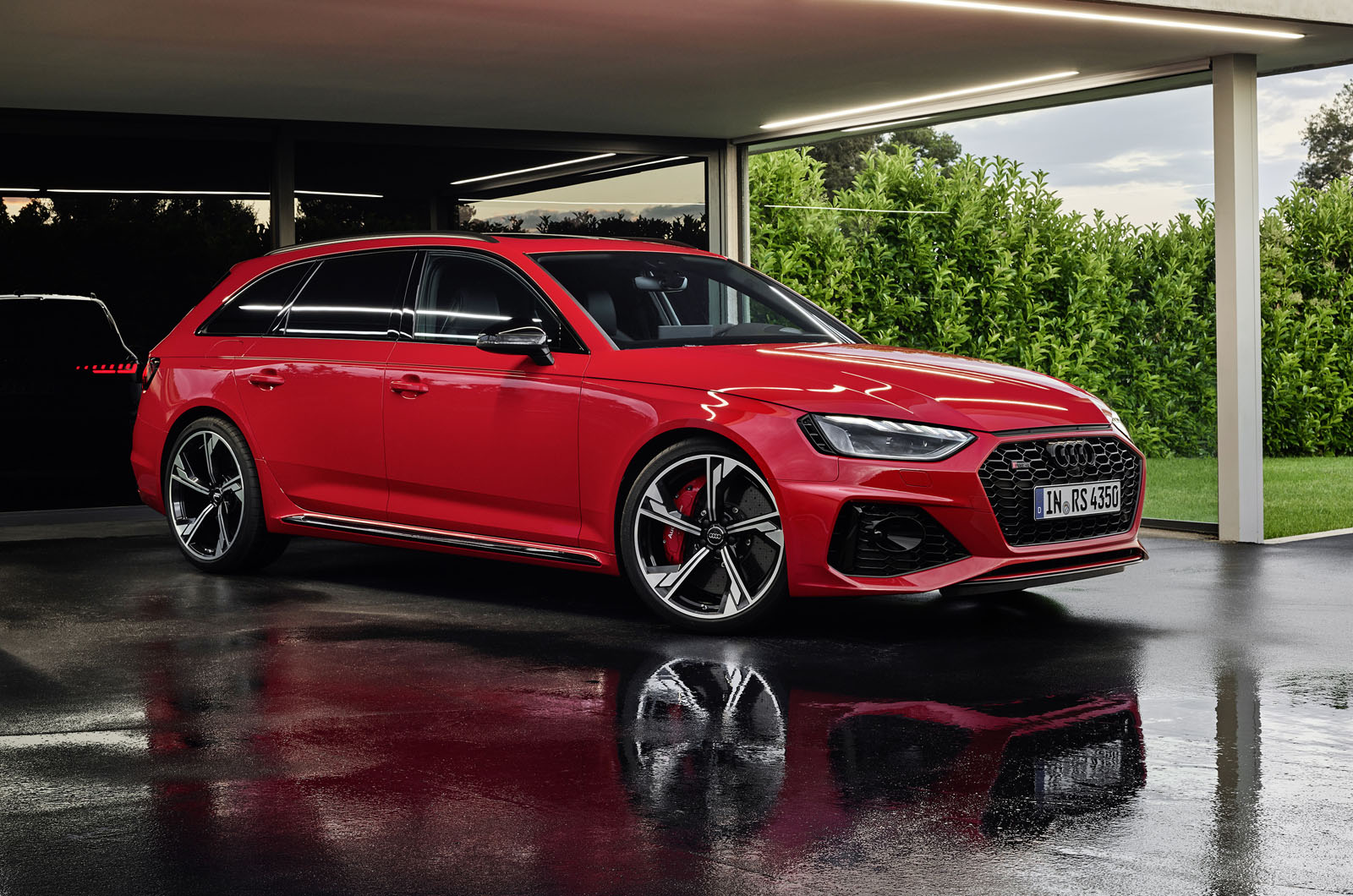 Audi updates RS4 Avant with more aggressive styling for ...