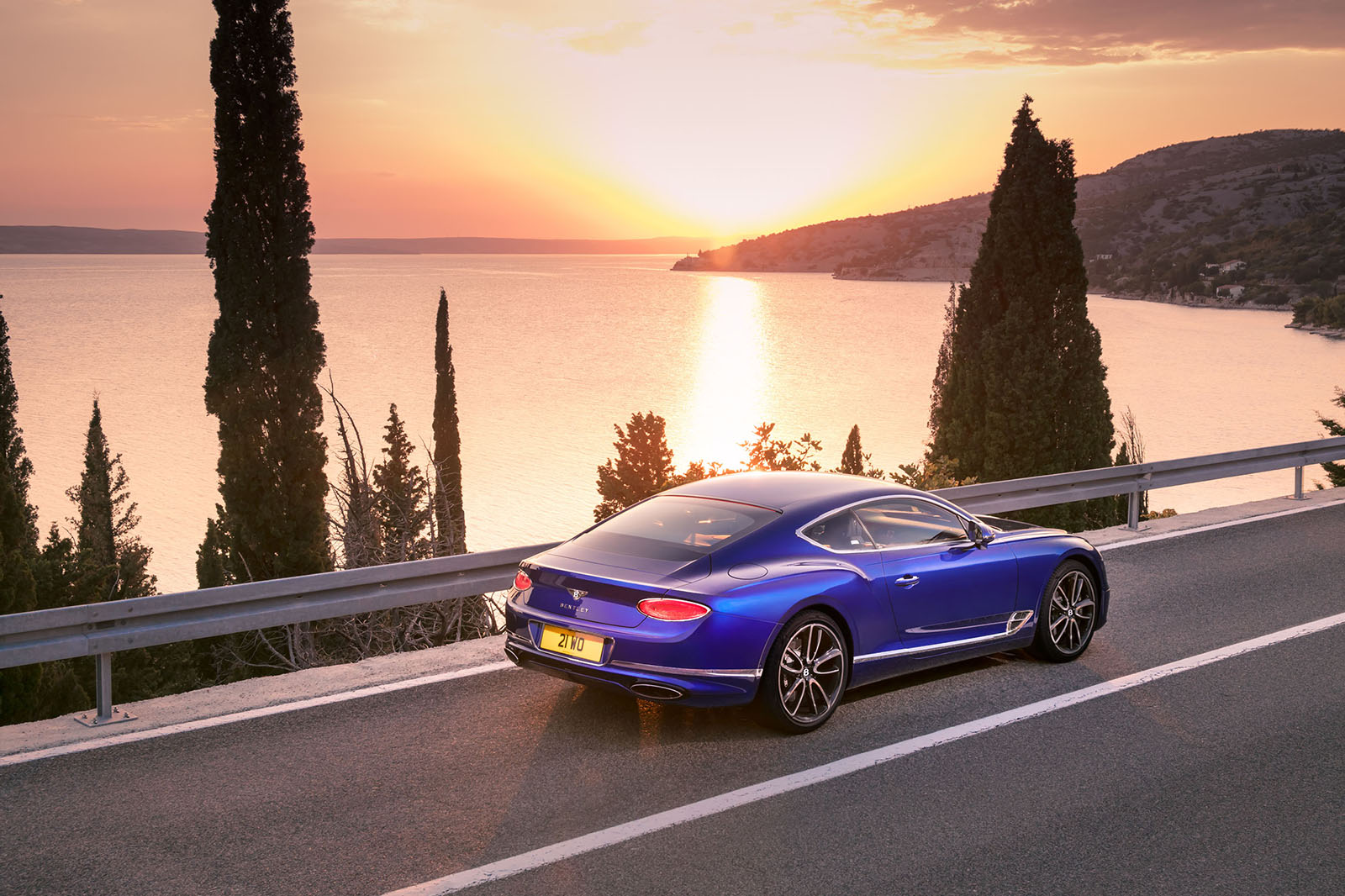 New Bentley Continental Gt Revealed Full Specs And Video Autocar Home Switches 4 Way It Contains 60 More Air Volume Than The Previous Single Chamber Springs Can Switch Chambers In Out Of Use Giving A Chassis Set Up For All Types