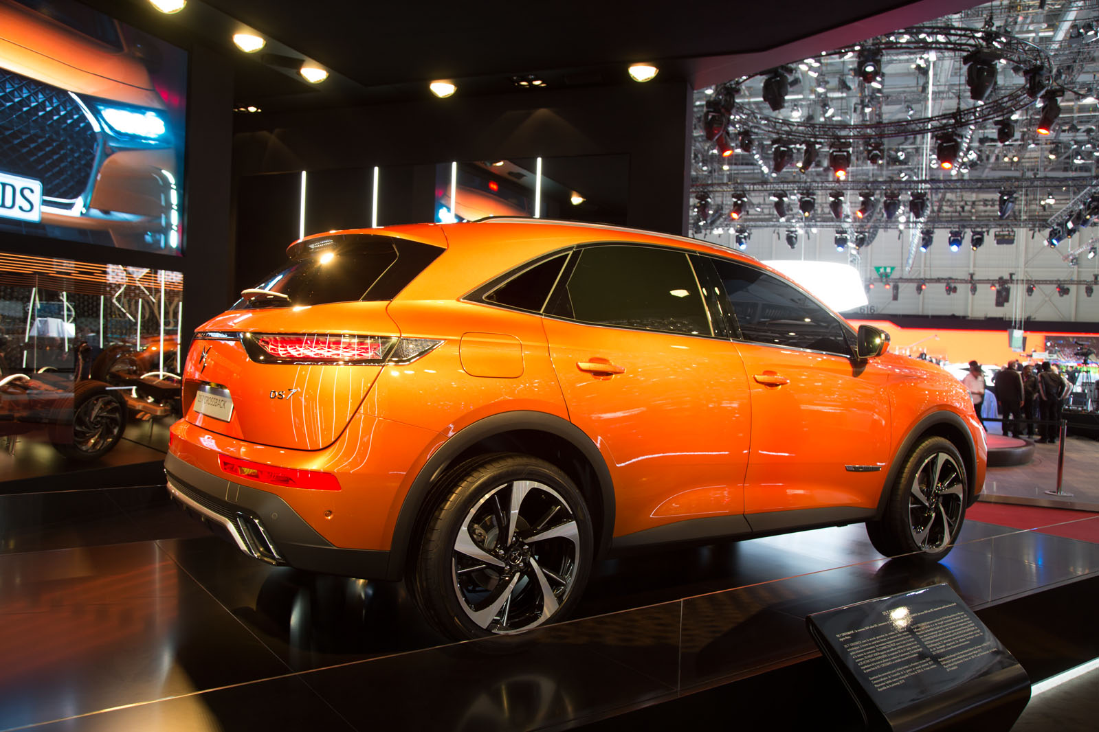 2017 DS 7 Crossback priced from £28,050 | Autocar