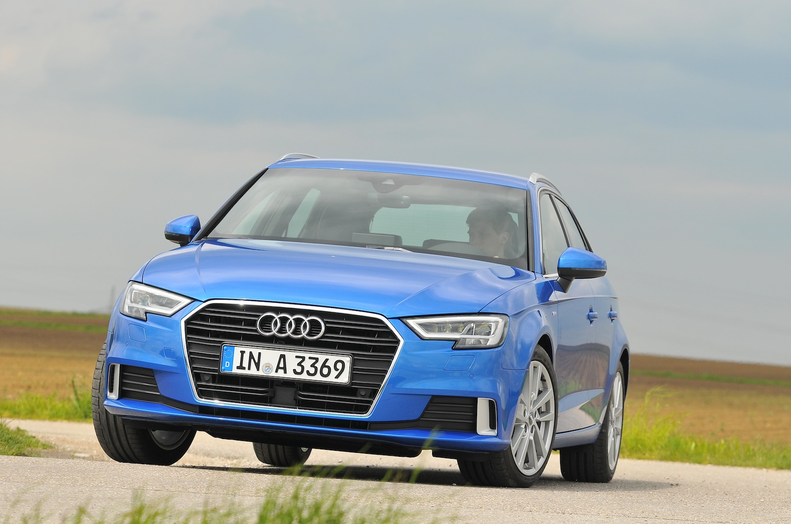 2016 Audi A3 Sportback 2.0 TDI 150 S line S tronic review ...
