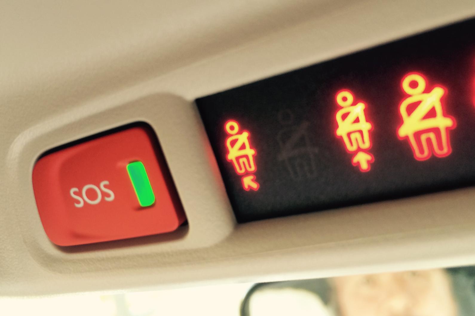 """Un bouton """"SOS"""" bientôt obligatoire dans toutes les voitures ! By DETOURS Ecall"""