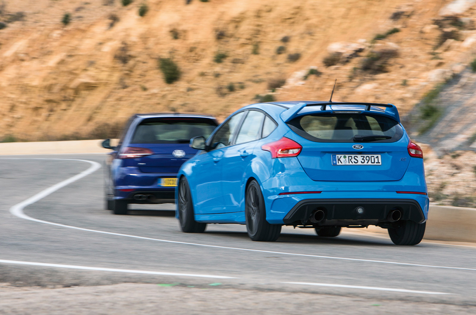Ford Focus Rs Versus Volkswagen Golf R Twin Test Autocar Wiring Diagram The Rest Of Package Is More Easily Summarised Engine Vibrant Poppy Gearshift Slick Brakes Powerful But Its Those Cornering Moments That Live